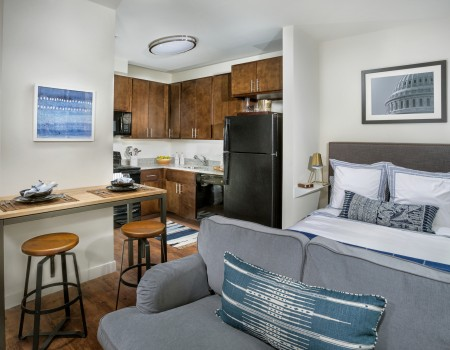 $200 off first month's rent for STUDIOS & 6 months of FREE PARKING - Move-in by June 30th