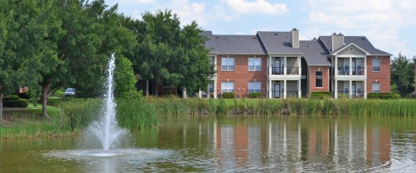 Shreveport Apartments with Private Lake Photo
