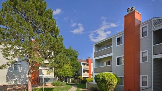 homes for rent in Aurora CO | Exterior