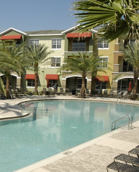 Resort Style Pool | Orlando Apartments | Urbana
