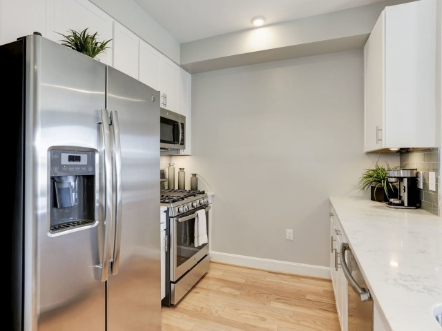 Luxurious Kitchen | Luxury Apartments In Bethesda MD | Upstairs At Bethesda  Row
