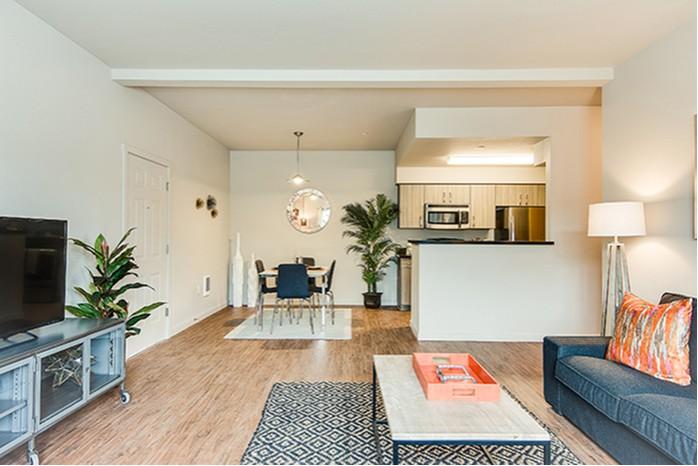 Resort Style Pool | Luxury Apartments Eugene Oregon | The Bailey at Amazon Creek