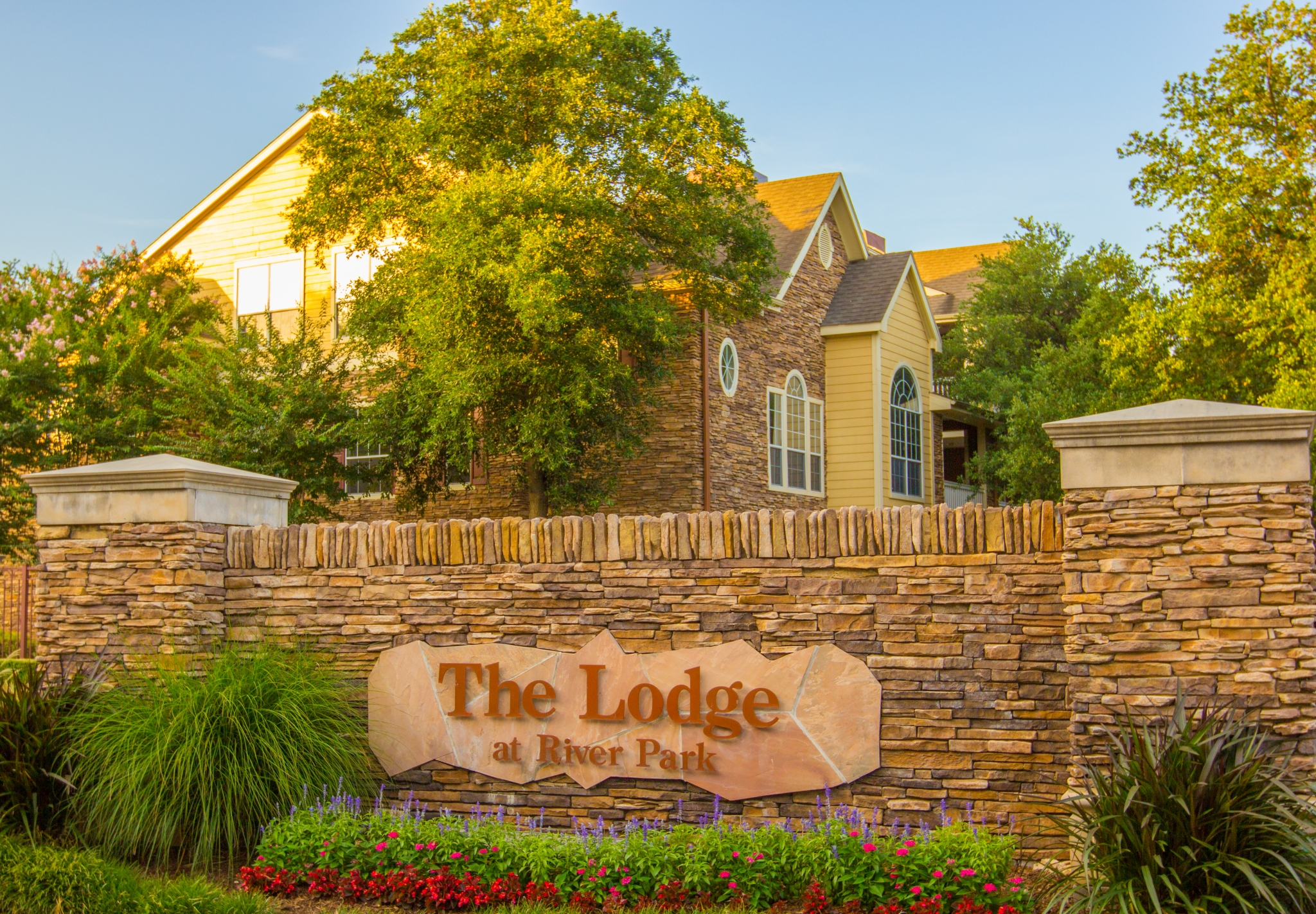Apartments in Fort Worth For Rent | The Lodge at River Park Apartments