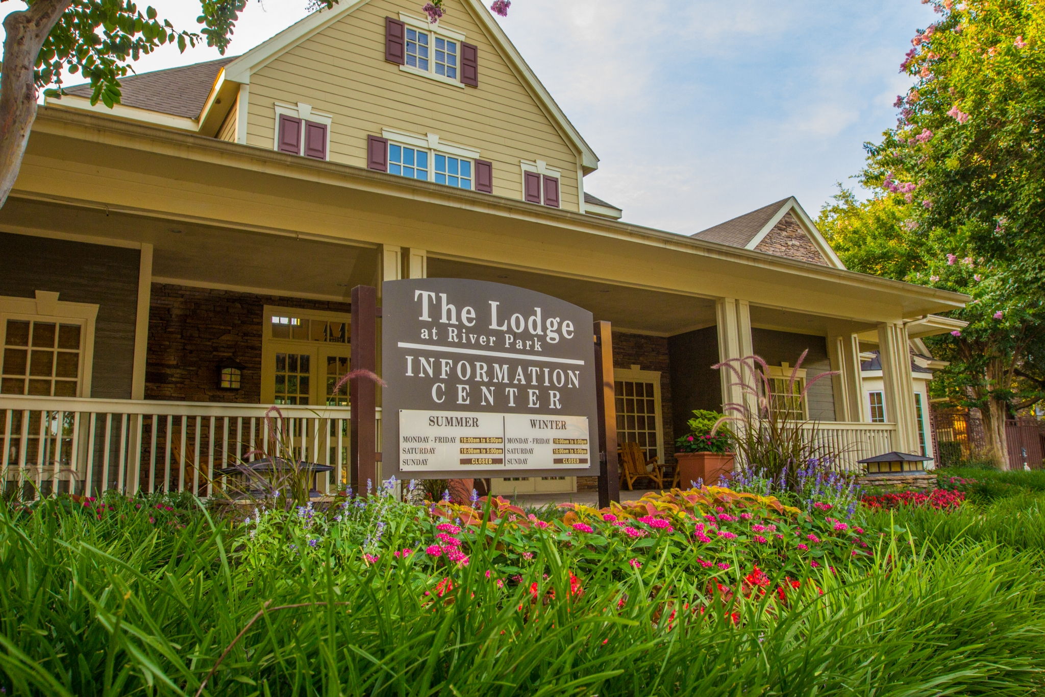 The Lodge at River Park Apartments Rentals in Fort Worth Texas