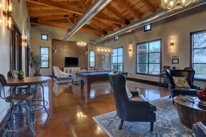 Spacious Community Club House | 2 Bedroom Apartments in San Antonio | Sendera Landmark