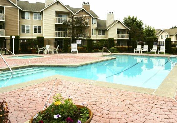 Swimming Pool at Canterbury Apartments 2