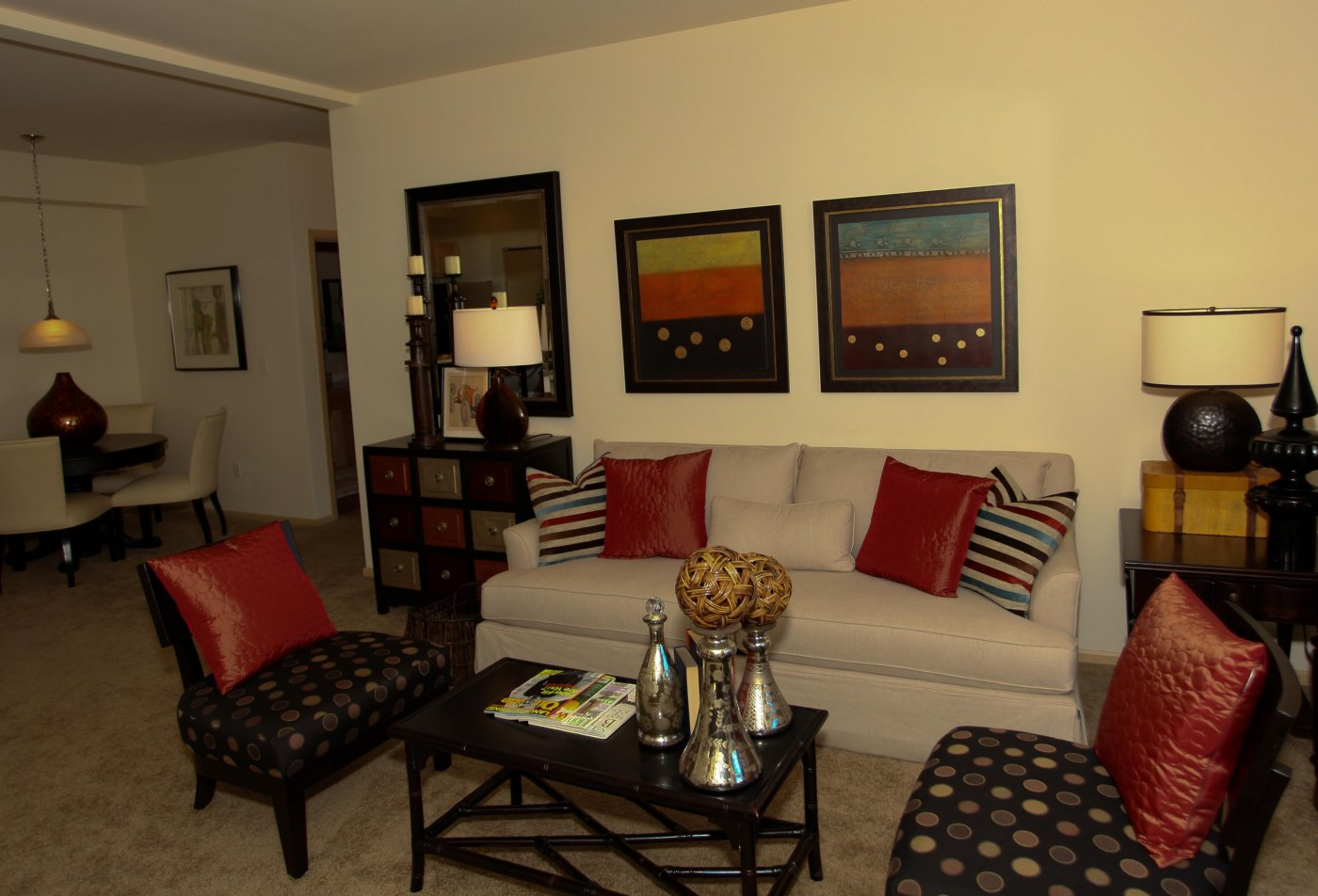 Spacious Living Room | Silverdale Apartments | Silverdale Ridge