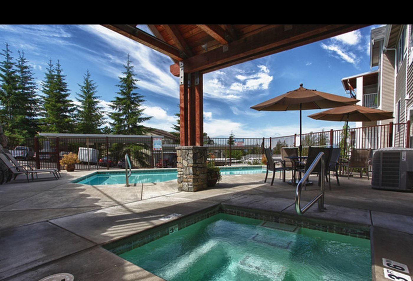 Resort Style Pool | Silverdale Apartments | Silverdale Ridge