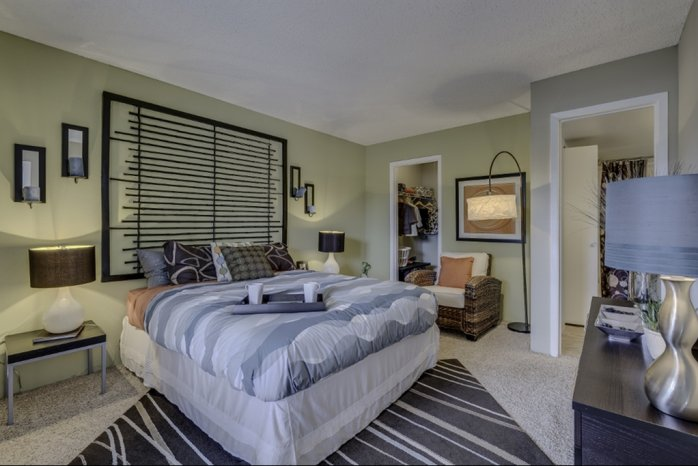 Spacious Bedroom | Apartments Near Denver | Skyline