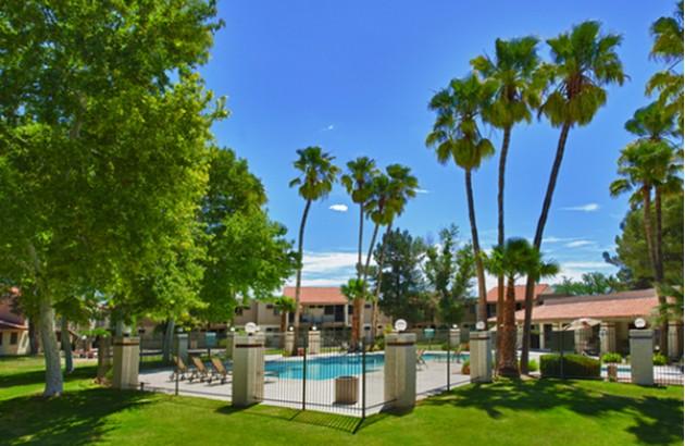 Beautiful grounds around our Tucson AZ Apartments