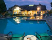 Pool and clubhouse at Forest Rim Apartments in Tualatin Oregon