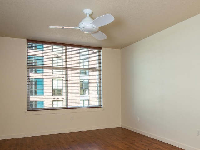 Image of Ceiling Fan for 20 Pettygrove