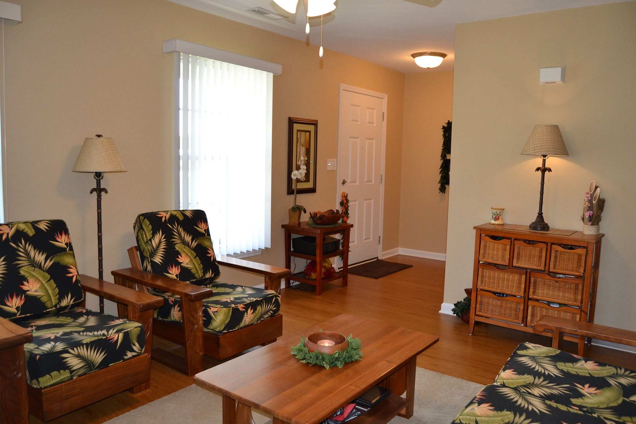 3 bed 2 5 bath apartment in fort knox ky knox hills for Flooring maple ridge