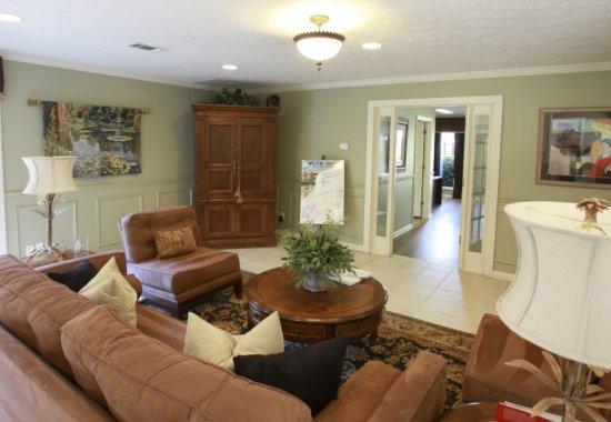 Living room of unit in Willow Creek Apartments in Columbus, Georgia