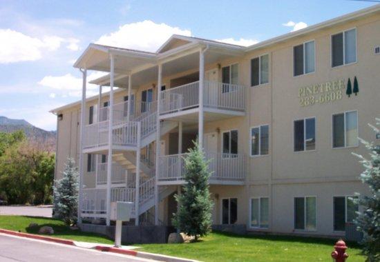 Pinetree I Condominiums