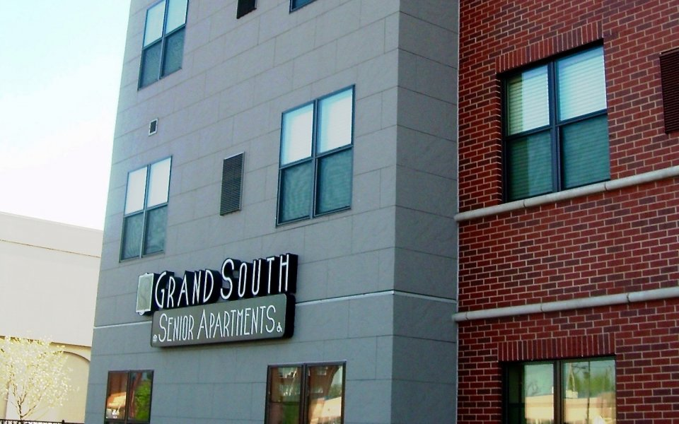 Grand South Apartments