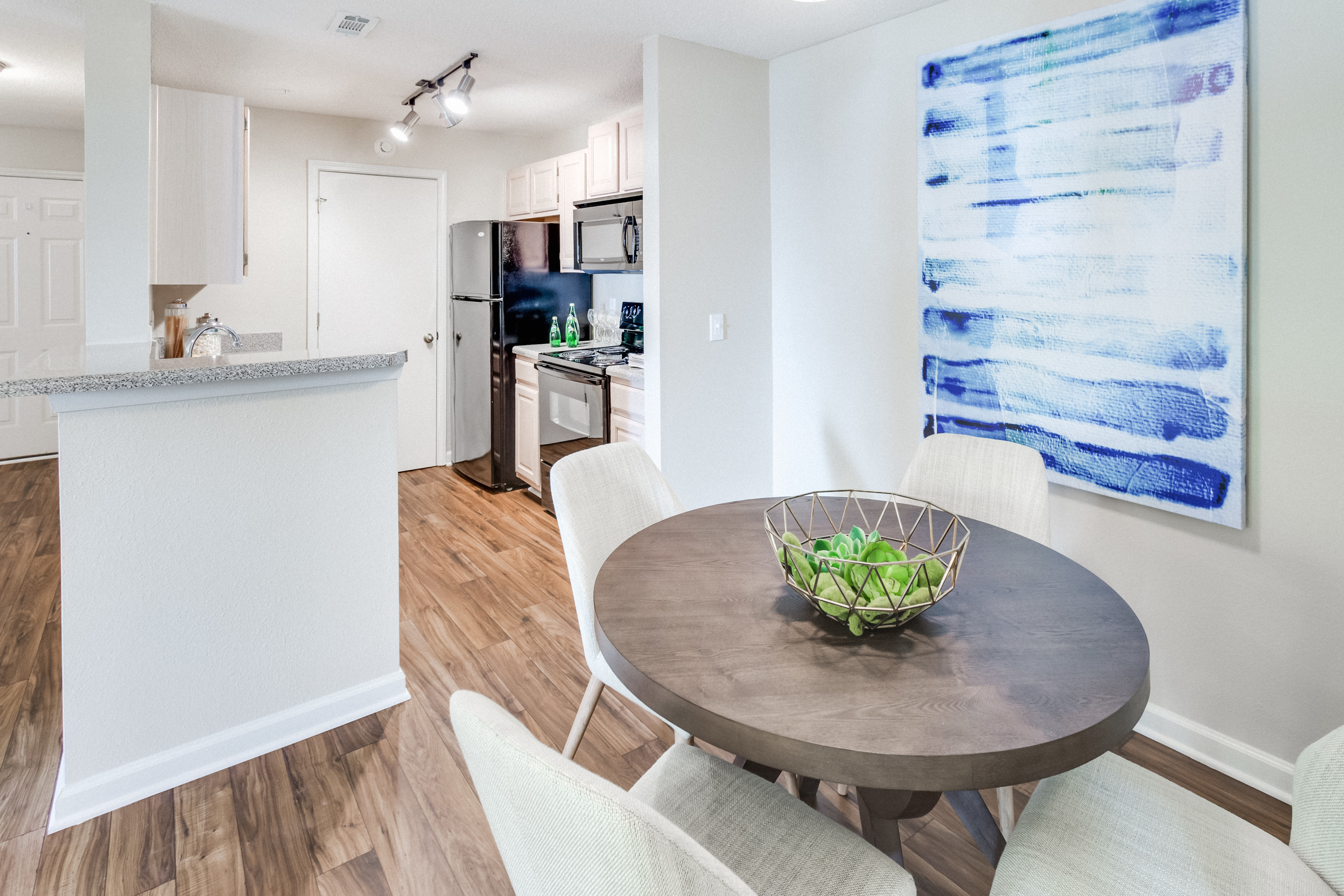 Midtown Crossing Apartment Rentals