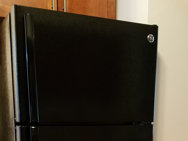 Image of Refrigerator with frost-free freezer for The Pines of Burnsville