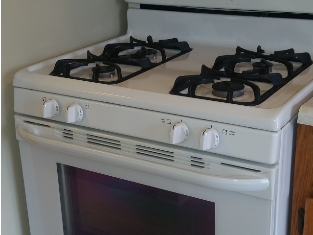 Image of Gas Range for Niles Housing Commission