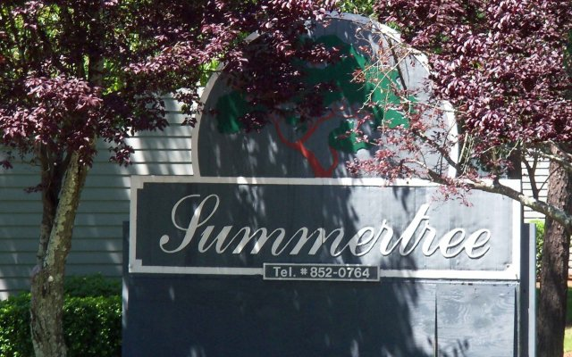 Summertree Apartments