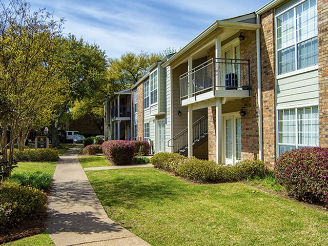 Chaparral Apartments Exterior