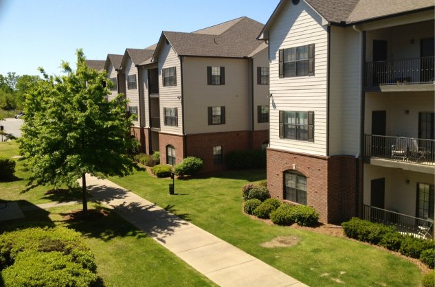 Lakeshore Ridge Apartments