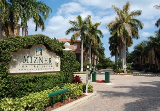 mizner on the green entrance