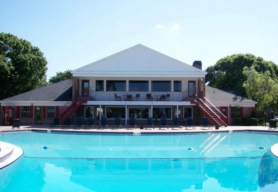 pool, clubhouse