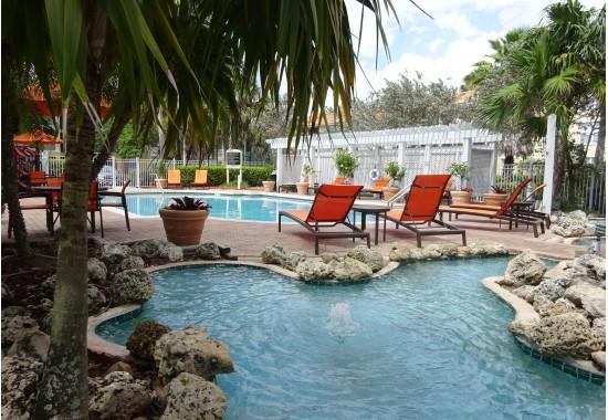 colonnade pool