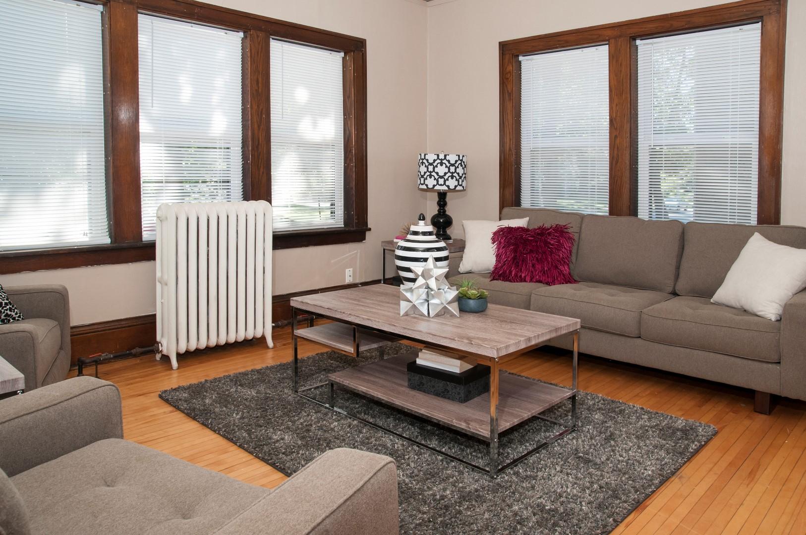 Breton Apartments in SE Minneapolis, MN