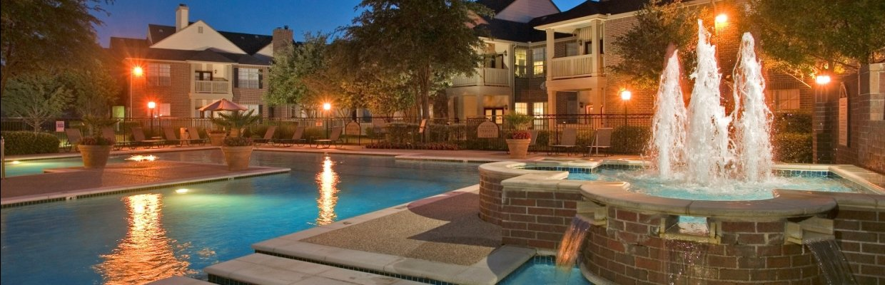Sparkling Pool | Apartments for rent in Dallas, TX | LaSalle