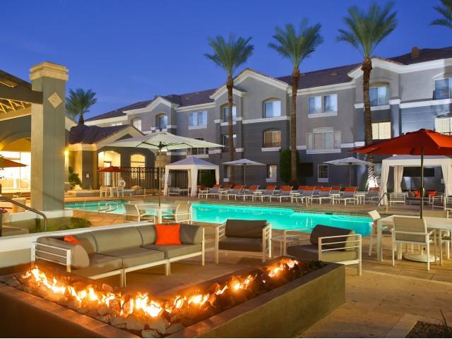 Phoenix AZ Apartment Rentals The Highland Luxury Apartments In - Luxury apartments phoenix