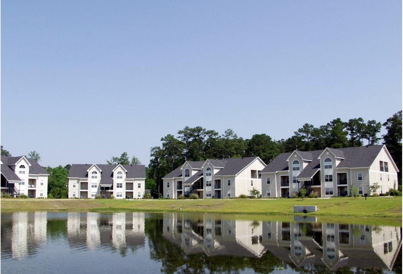 Pelican Pointe Apartments