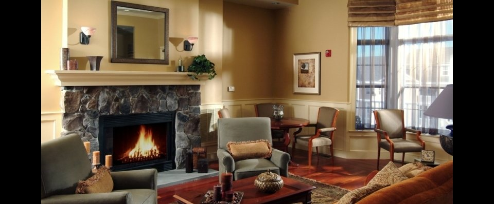 Clubhouse common area and fireplace at Longview at Georgetown
