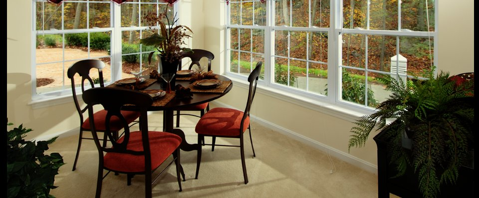 Dining room in the Ledges apartments in Johnston RI