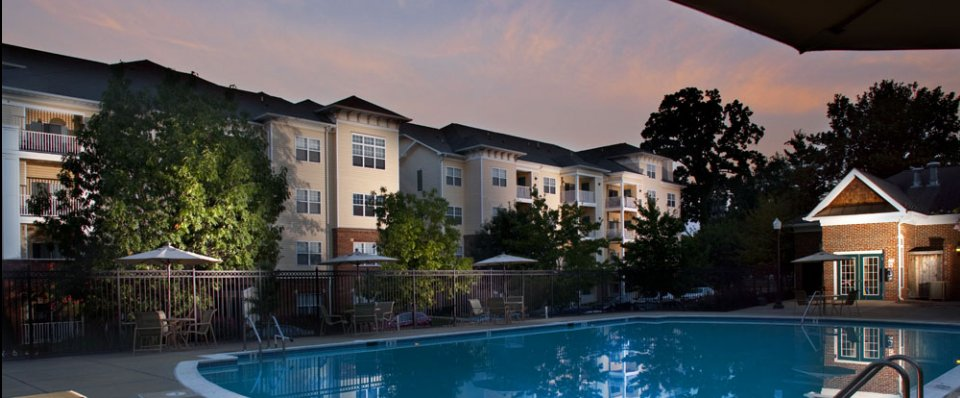 Resort-style pool of our Rockville, MD apartments