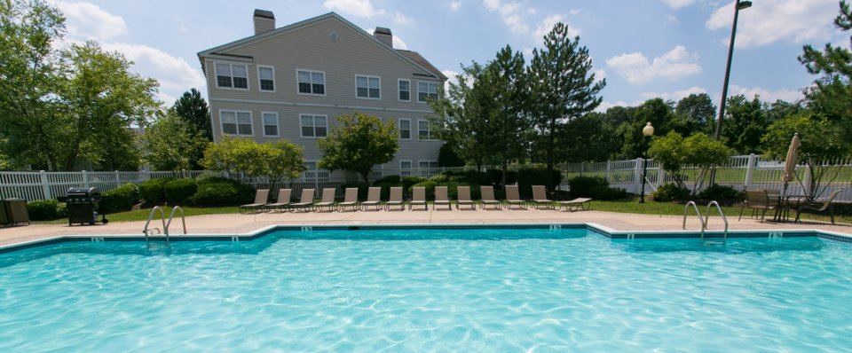 Luxury pool at our Riverscape Apartments | Odenton MD