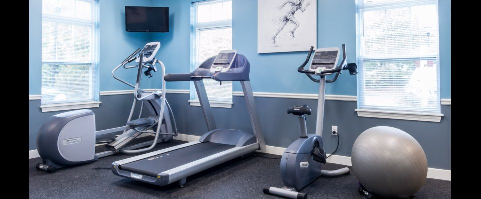 Fitness center at Kensington at Chelmsford apartments in MA