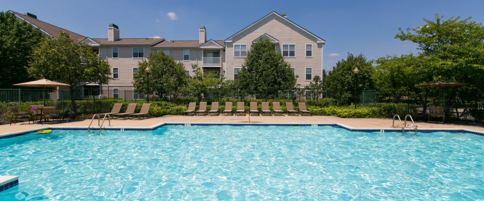Swimming pool at the Groves at Piney Orchard apartments | Odenton MD