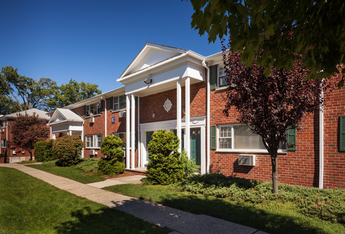 FOXHALL APARTMENTS