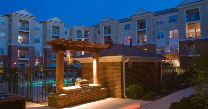 exterior view of apartments in fairfax va
