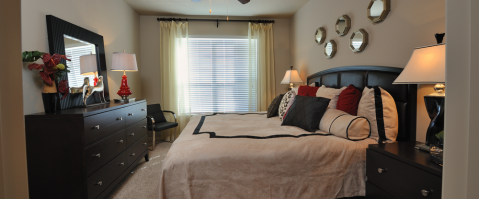 apartments in Humble master bedroom
