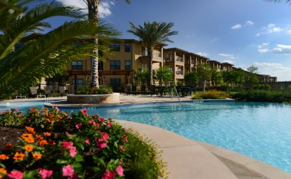 Midland, TX apartments with resort-style swimming pool