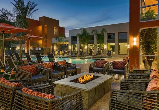 Luxury apartments in Phoenix | Residents