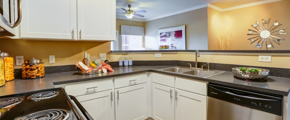 Apartments in Colorado Springs leasing center and clubhouse