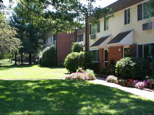 Eastbrook Apartments | Springfield MA