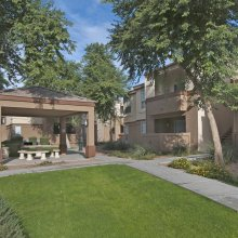 Apartment rentals exterior building in Peoria, Arizona