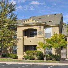 Apartment rentals exterior building in Henderson, Nevada