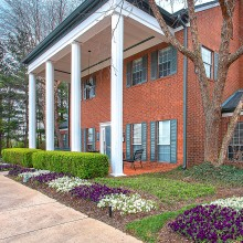 Apartment rentals exterior building in Gallatin, TN