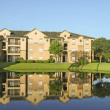 Apartment rentals exterior building in Brandon, Florida